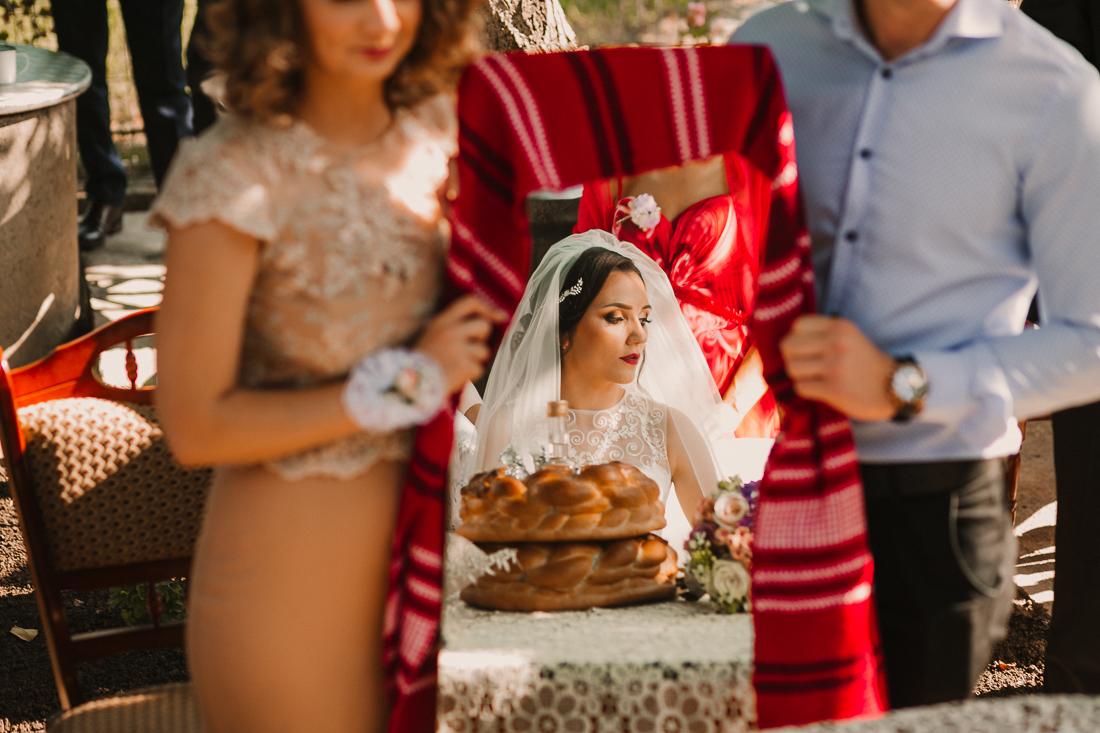 Adriana si Alexandru fotografii nunta restaurant Balada Suceava