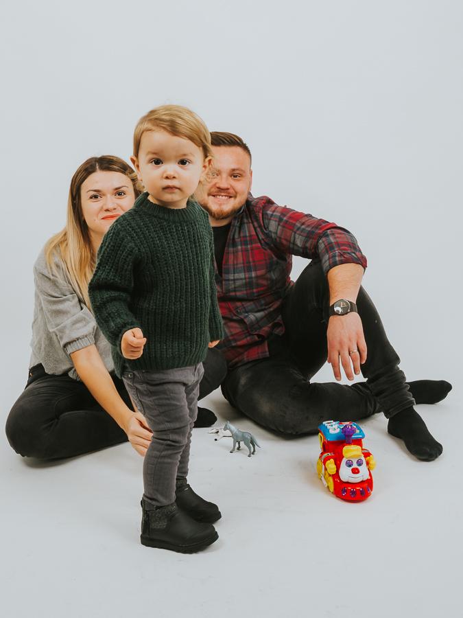 Serial foto. Episodul 2. Fotografii de familie Victor, Raluca si Razvan